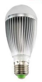 Žárovka LED 7W 220V bílá st E27 DOPRODEJ 650lm 180st. pr.60x135 6000K 50000h.